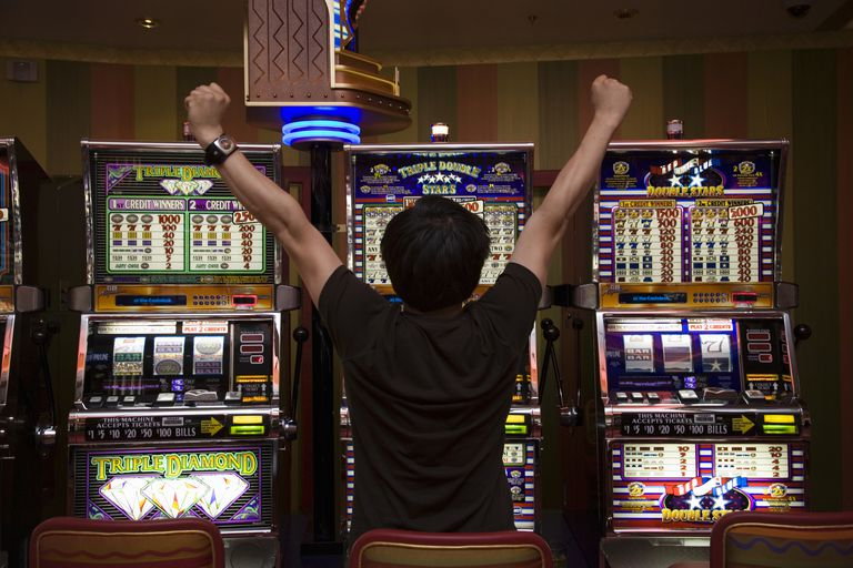 Win Online Jackpots Through Gaming Slots Using Slot IM